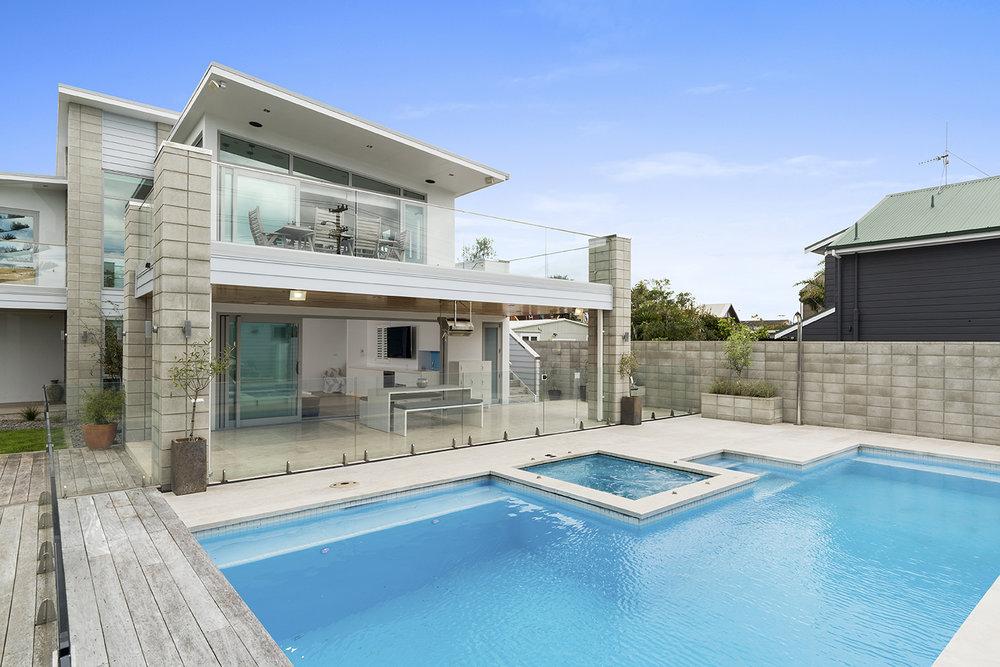 Insight_Urban_Beach_House_Outdoor_Entertaining_Pool.jpg