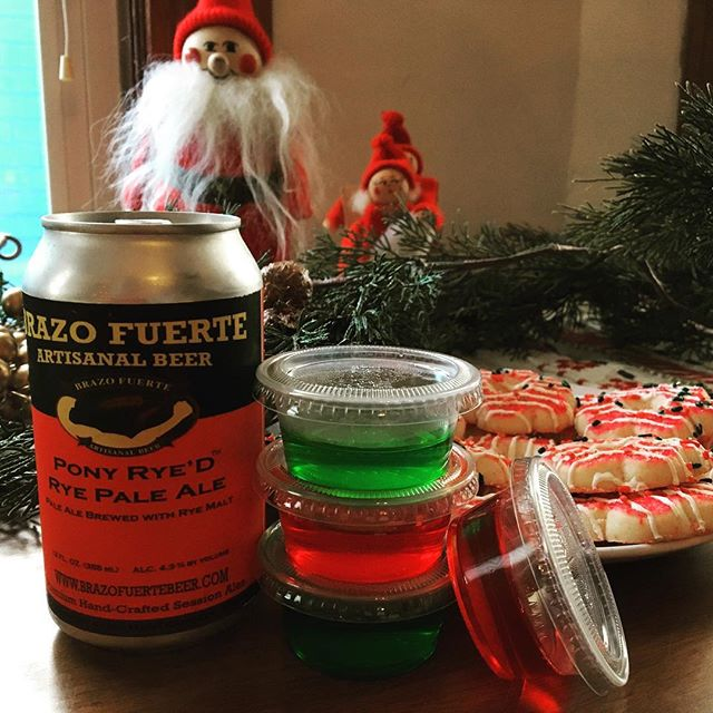 Pony Rye'd pairs well with most anything this holiday season.  #BrazoFuerte #BFAB #macraftbeer #happyholidays #beerandcookies #cookieparty