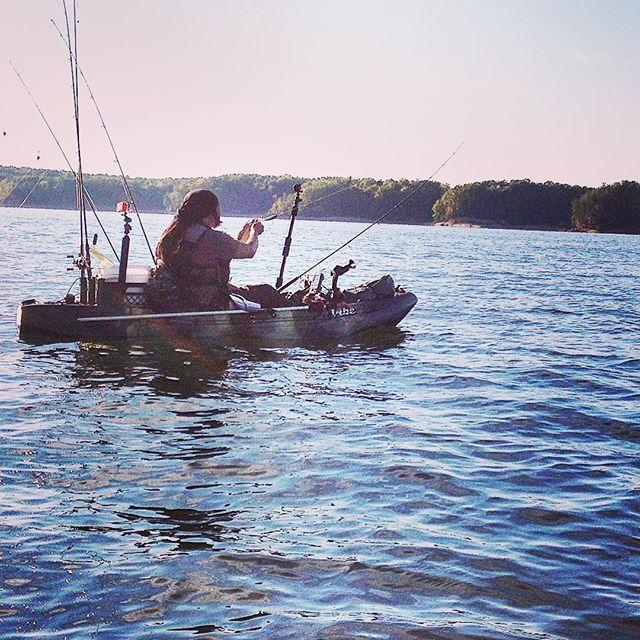 Big water... little boat. #striper #striperfishing #kayak #kayakfishing #vibekayaks #sj90 #riverwolf @vibekayaks