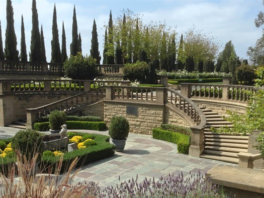 The Greystone Mansion Beverly Hills - This stunning location is the perfect backdrop for any event.