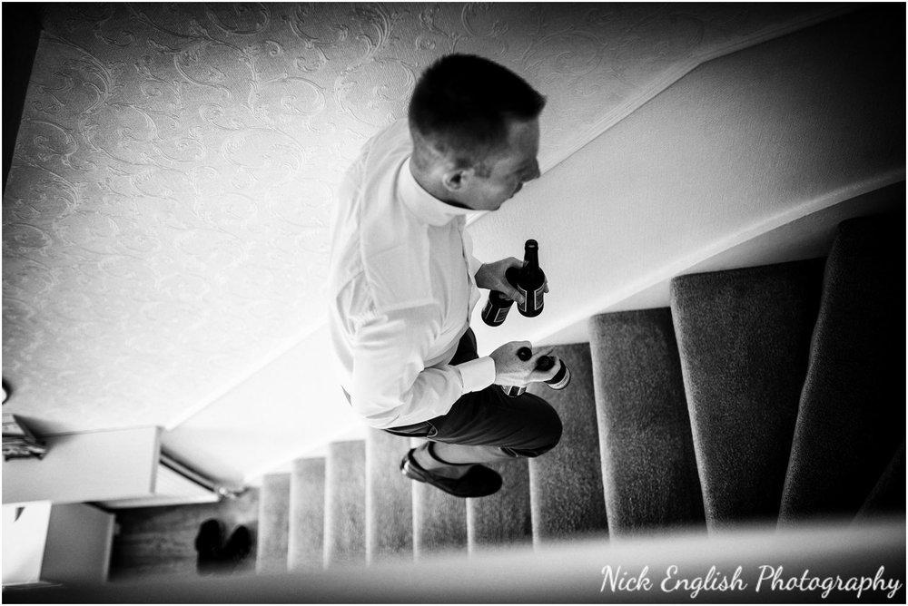 Rivington Hall Barn Wedding Photographer (27).jpg