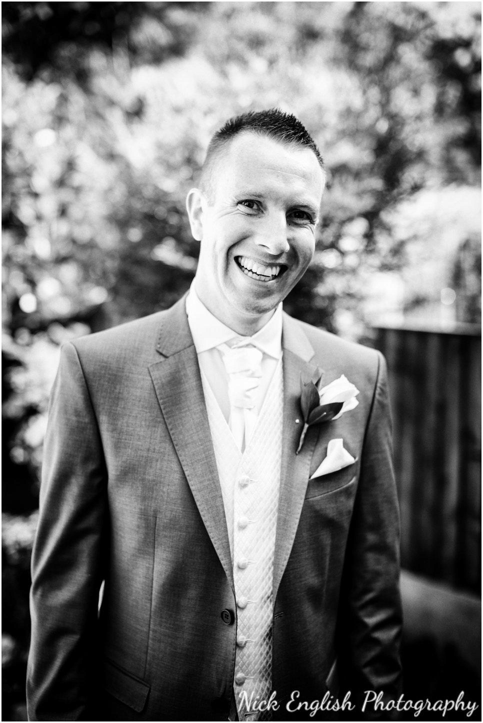 Rivington Hall Barn Wedding Photographer (35).jpg