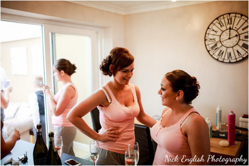 Rivington Hall Barn Wedding Photographer (48).jpg