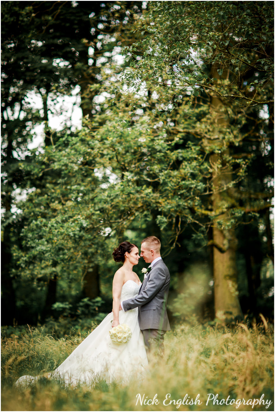 Rivington Hall Barn Wedding Photographer (137).jpg