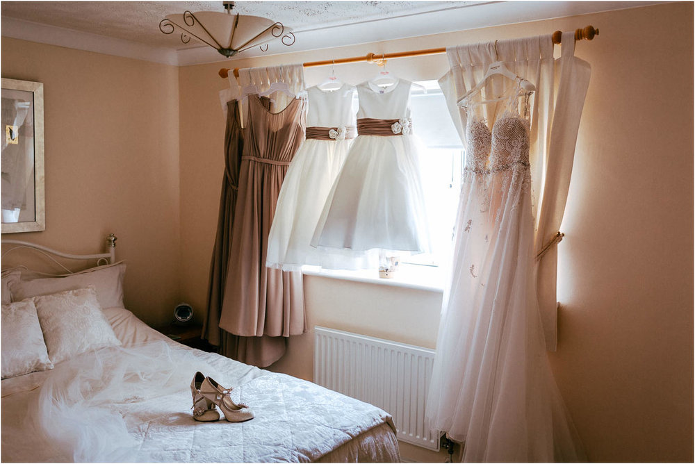 Shireburn_Arms_Wedding_Photographs-3.jpg