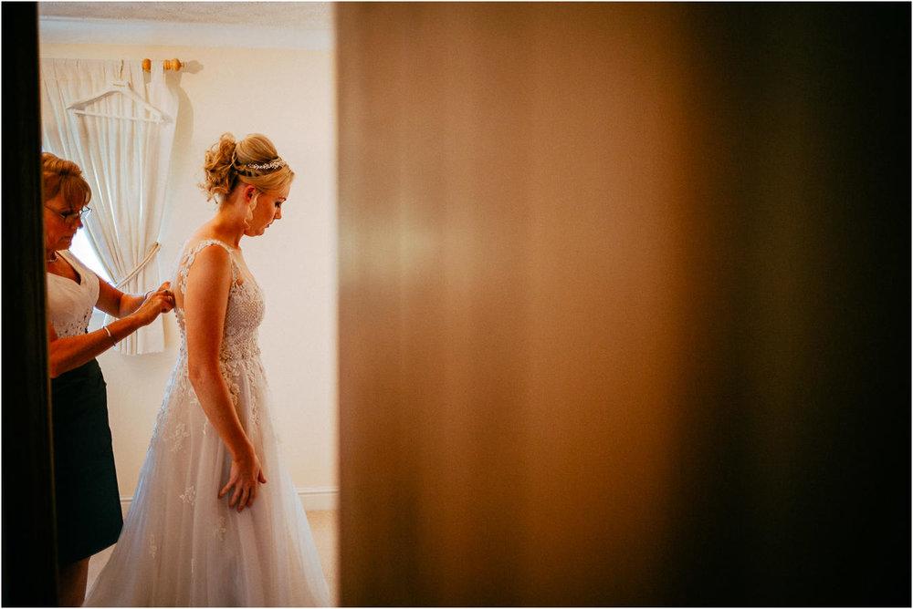 Shireburn_Arms_Wedding_Photographs-7.jpg