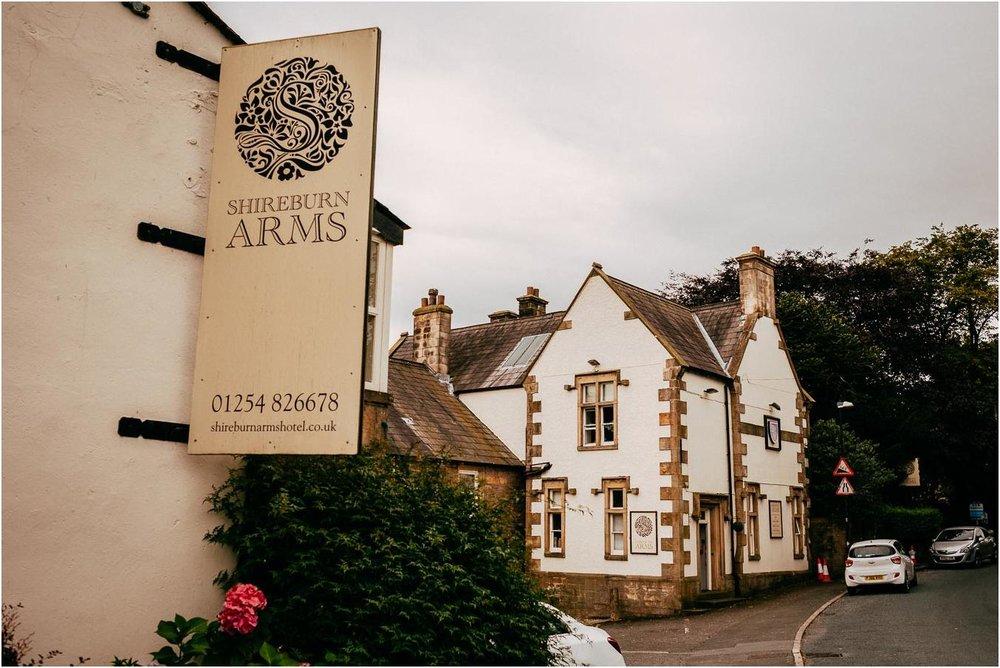 Shireburn_Arms_Wedding_Photographs-11.jpg