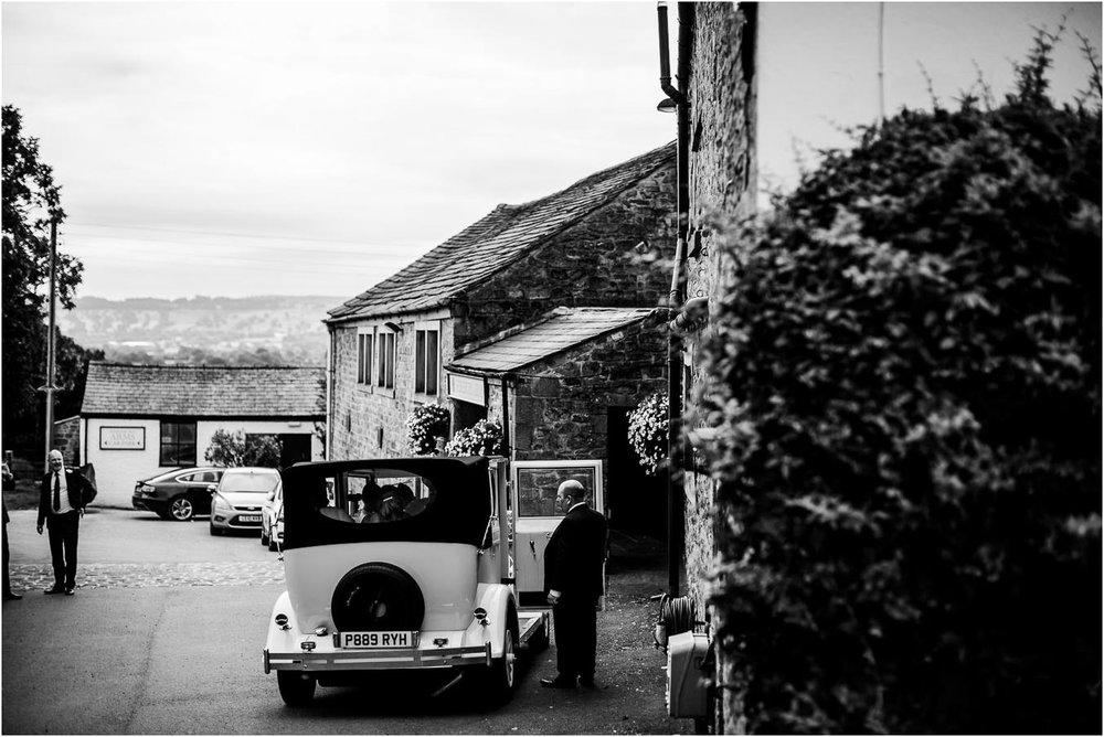 Shireburn_Arms_Wedding_Photographs-18.jpg