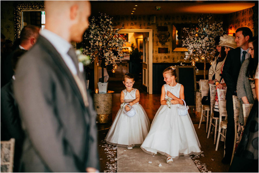 Shireburn_Arms_Wedding_Photographs-29.jpg