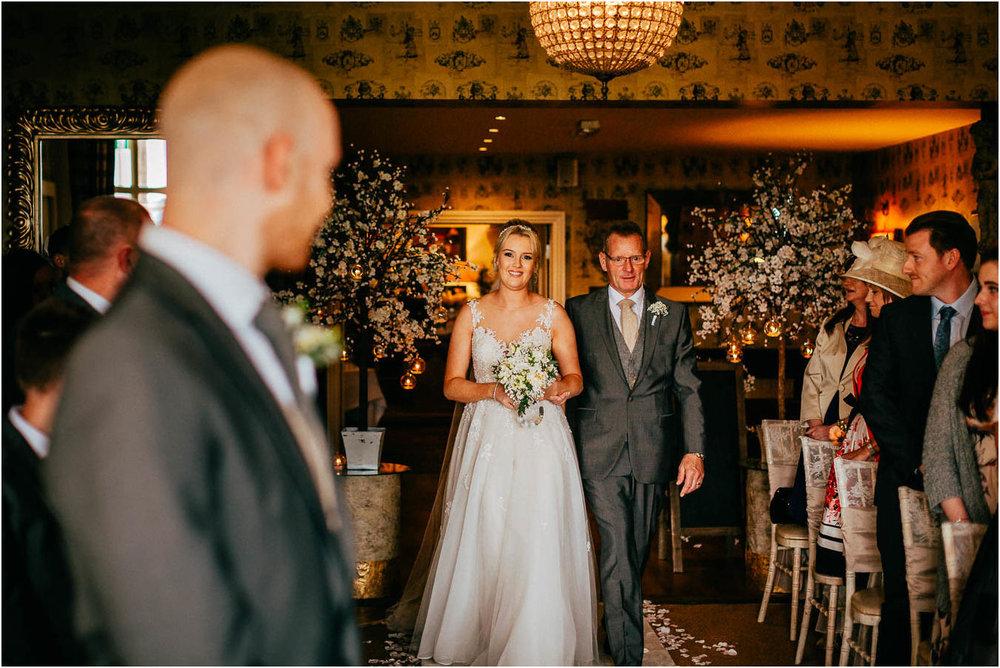 Shireburn_Arms_Wedding_Photographs-31.jpg