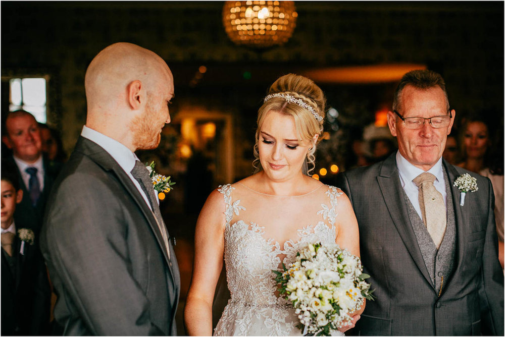 Shireburn_Arms_Wedding_Photographs-33.jpg