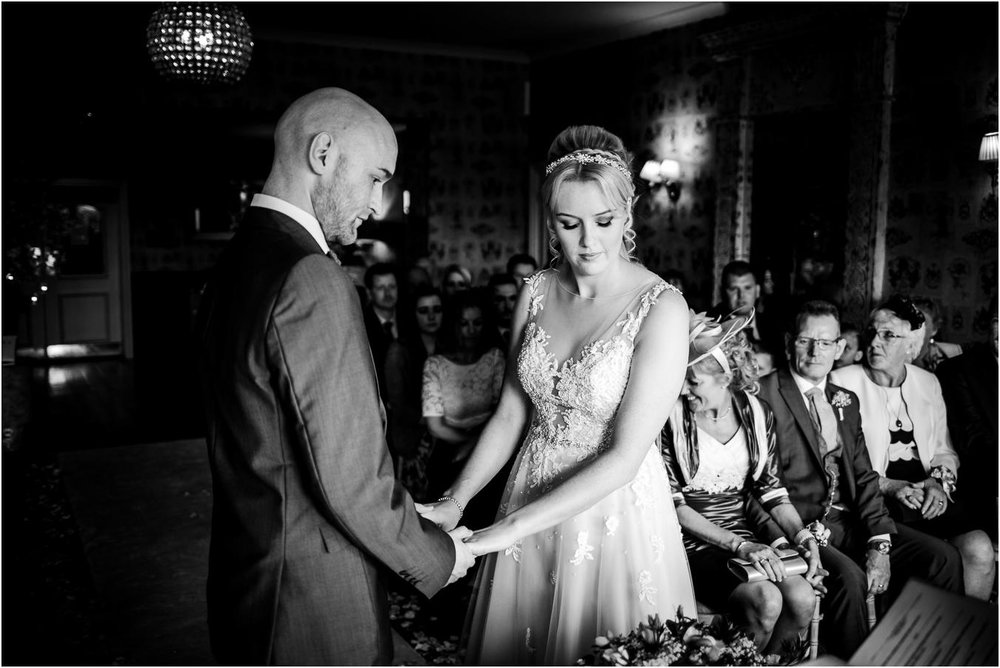 Shireburn_Arms_Wedding_Photographs-35.jpg