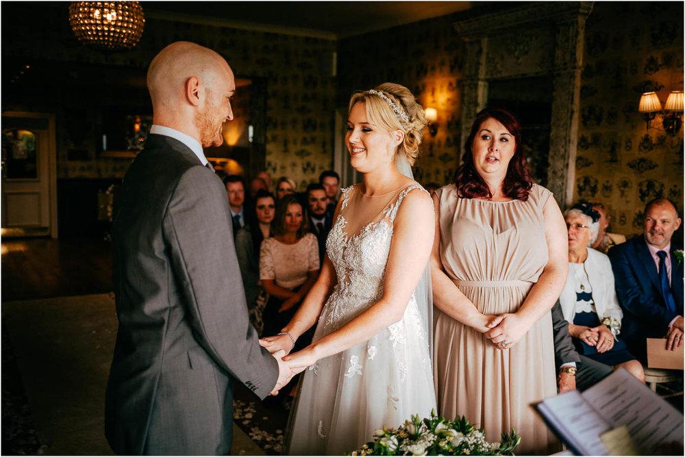 Shireburn_Arms_Wedding_Photographs-36.jpg