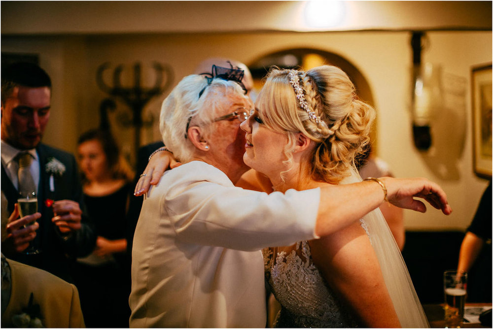 Shireburn_Arms_Wedding_Photographs-48.jpg