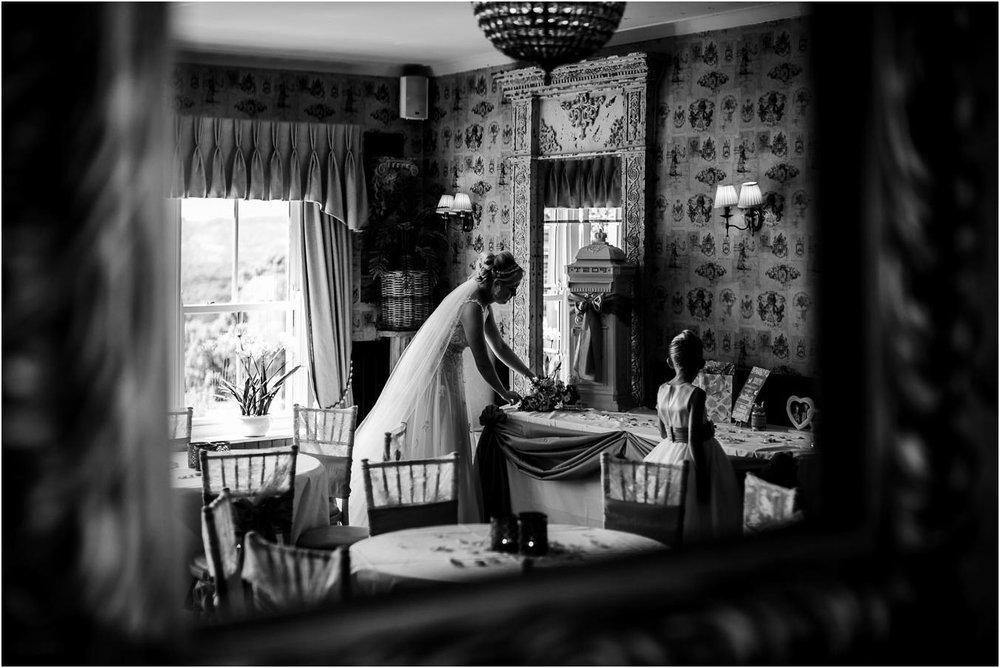 Shireburn_Arms_Wedding_Photographs-67.jpg