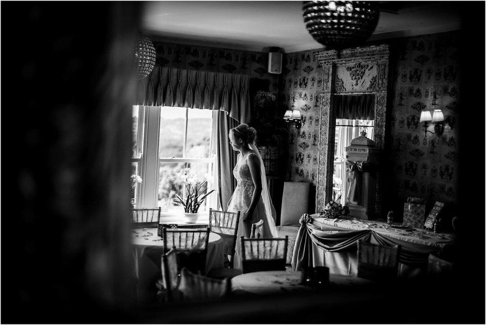 Shireburn_Arms_Wedding_Photographs-68.jpg