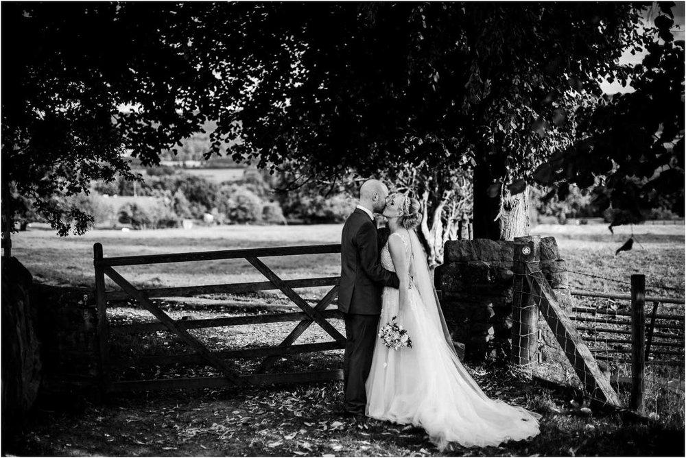 Shireburn_Arms_Wedding_Photographs-94.jpg