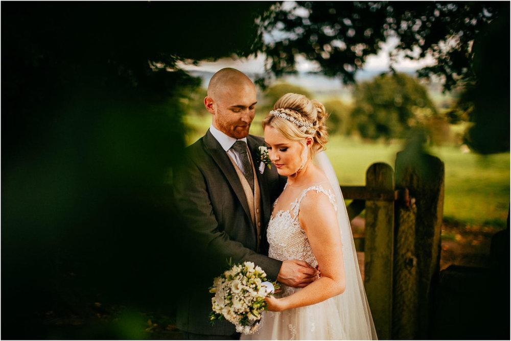 Shireburn_Arms_Wedding_Photographs-96.jpg