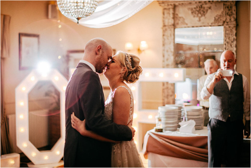 Shireburn_Arms_Wedding_Photographs-117.jpg