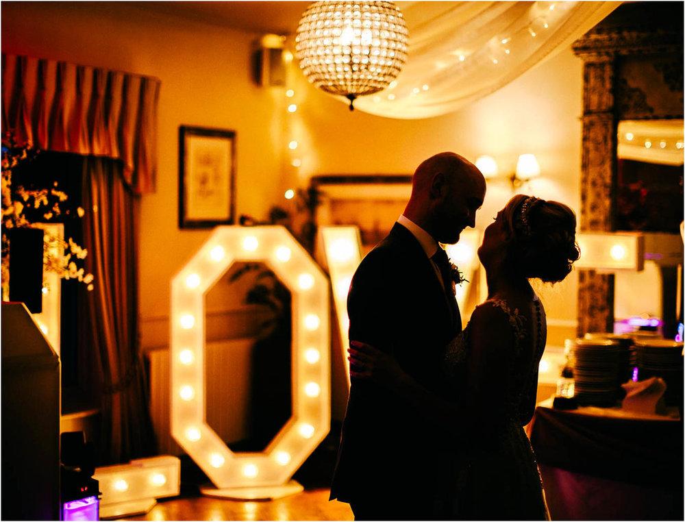 Shireburn_Arms_Wedding_Photographs-118.jpg