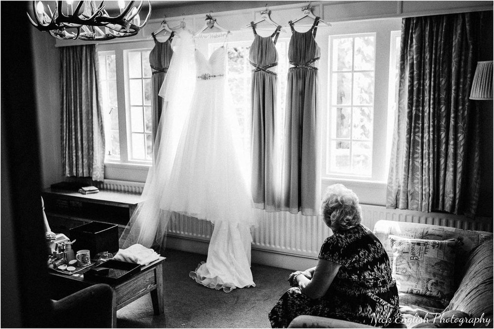 Eaves_Hall_Outdoor_Wedding-3.jpg