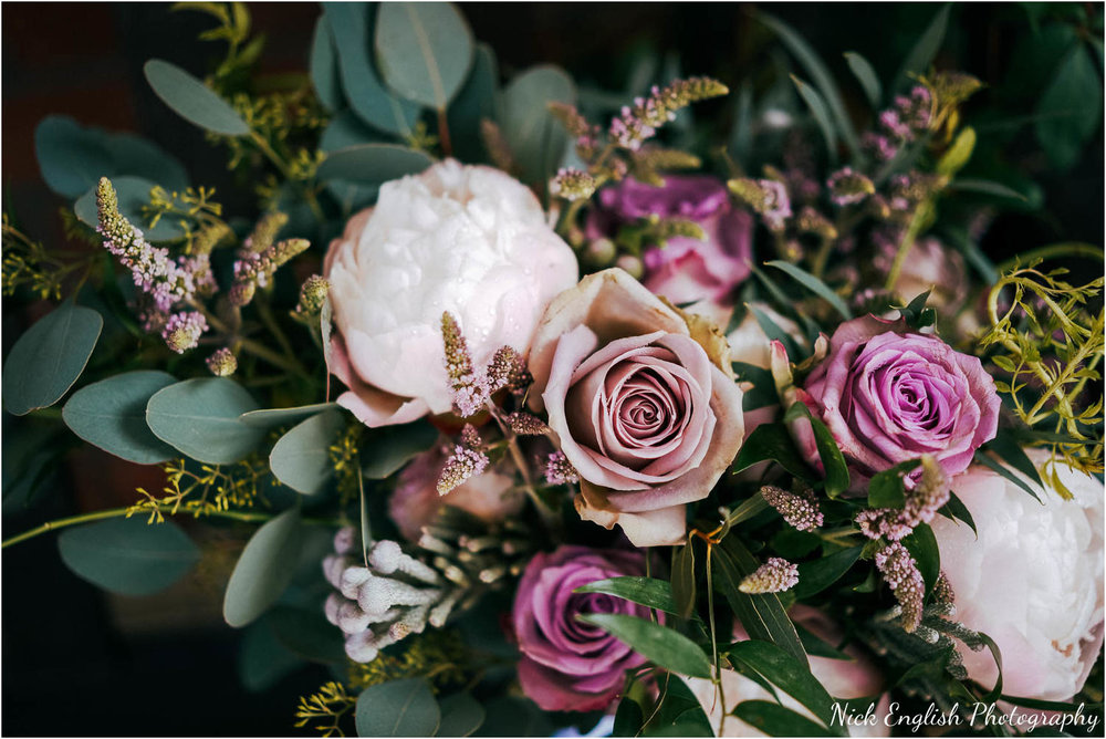 Eaves_Hall_Outdoor_Wedding-9.jpg