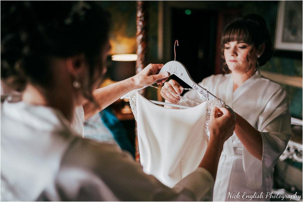 Mitton_Hall_Wedding_Summer_Photograph-8.jpg