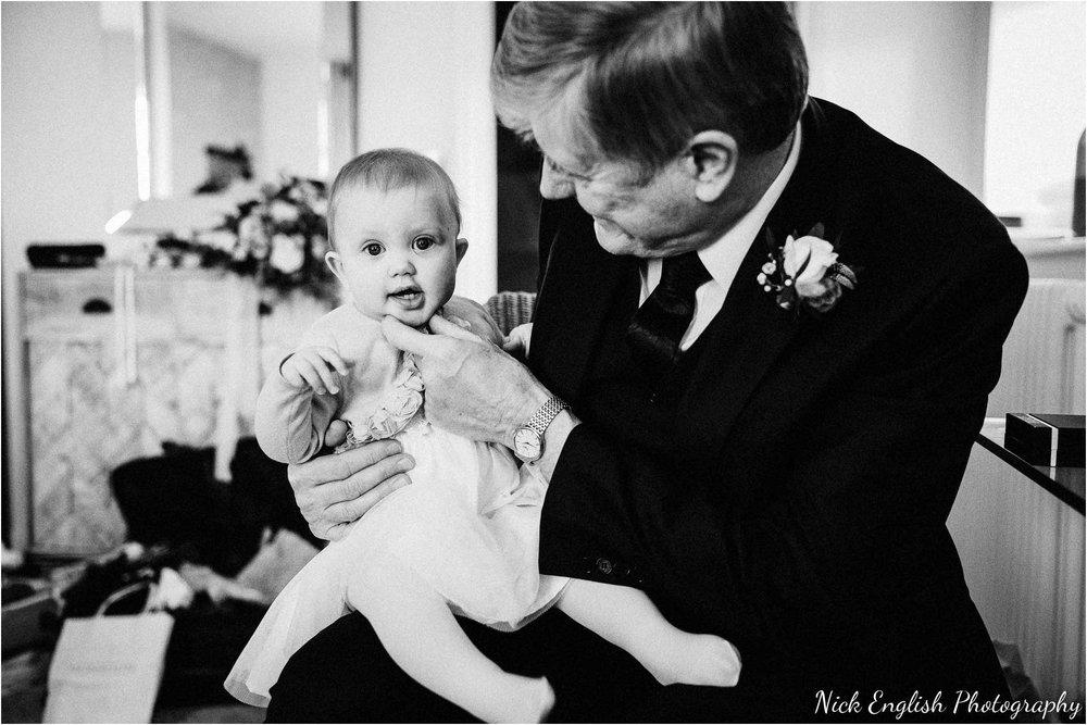 Holmes_Mill_Wedding_Photographs-23.jpg