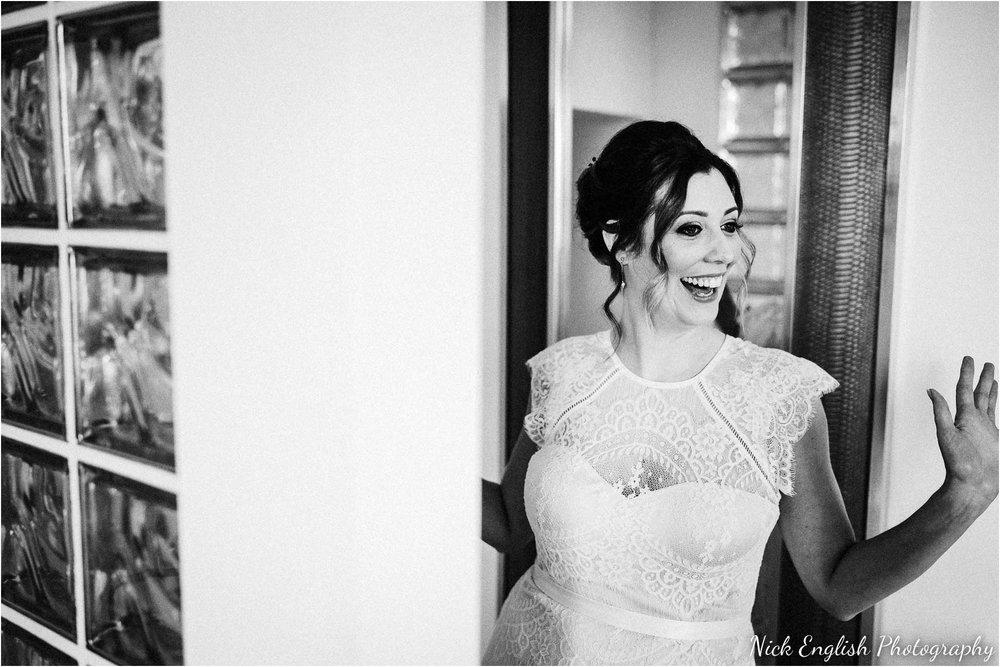 Holmes_Mill_Wedding_Photographs-25.jpg