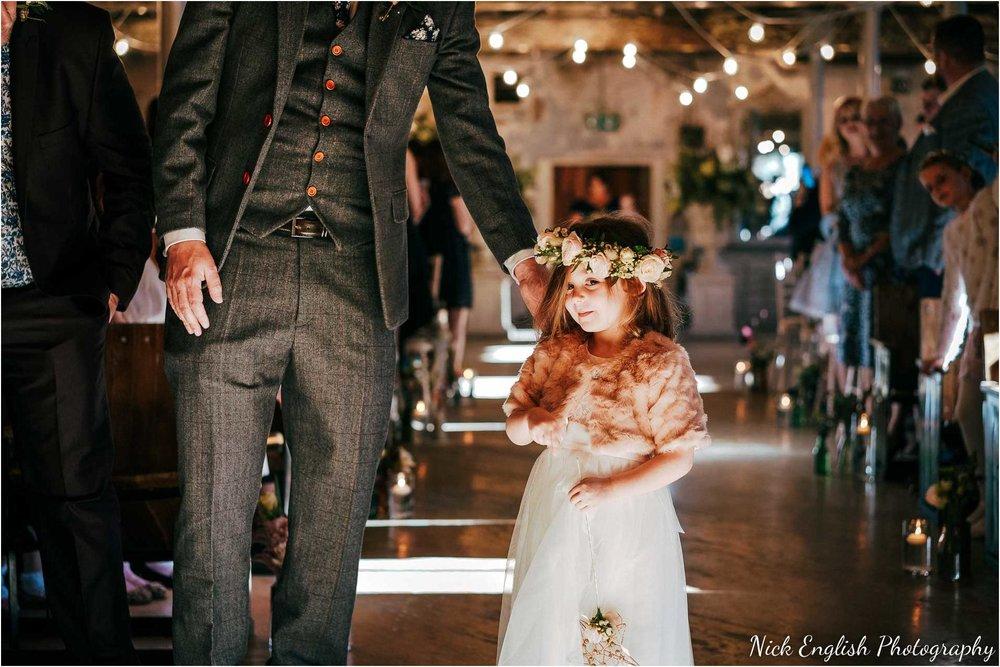 Holmes_Mill_Wedding_Photographs-34.jpg
