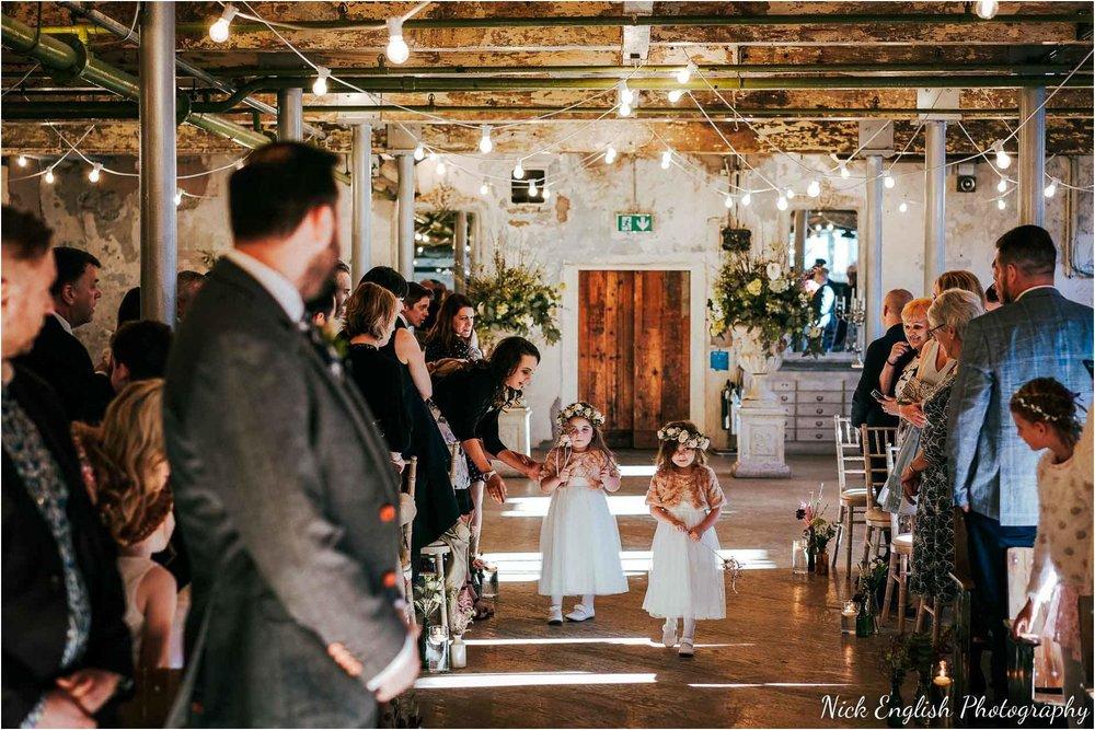 Holmes_Mill_Wedding_Photographs-33.jpg