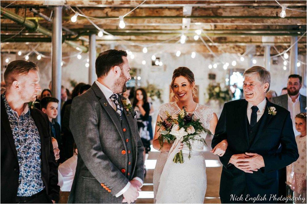 Holmes_Mill_Wedding_Photographs-36.jpg
