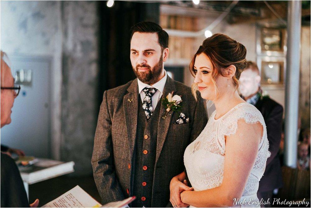 Holmes_Mill_Wedding_Photographs-39.jpg