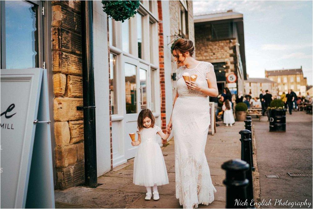 Holmes_Mill_Wedding_Photographs-81.jpg
