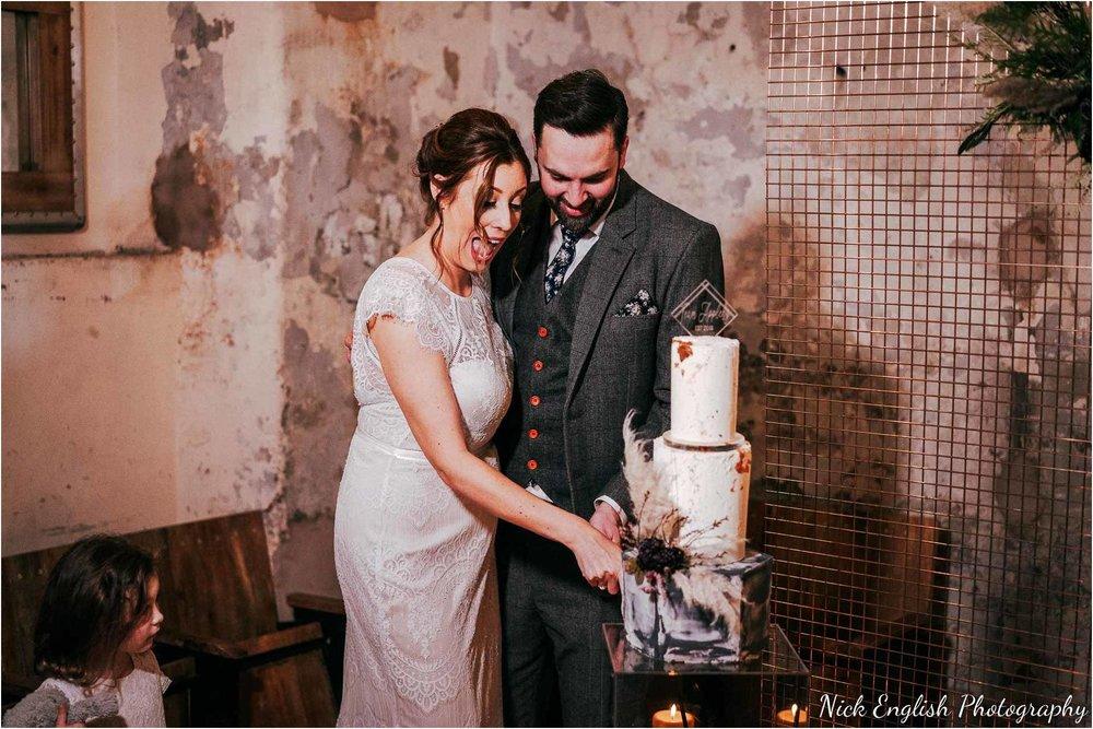 Holmes_Mill_Wedding_Photographs-121.jpg