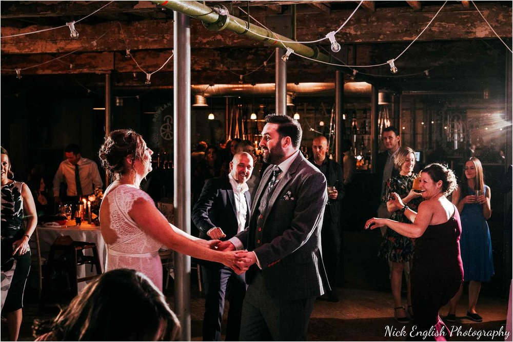 Holmes_Mill_Wedding_Photographs-124.jpg