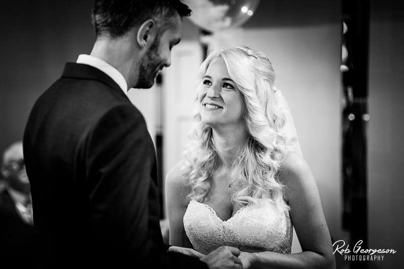 Stanneylands_Wedding_Photographer_020.jpg