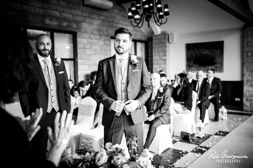 Ferraris_Country_House_Wedding_Photographer_023.jpg