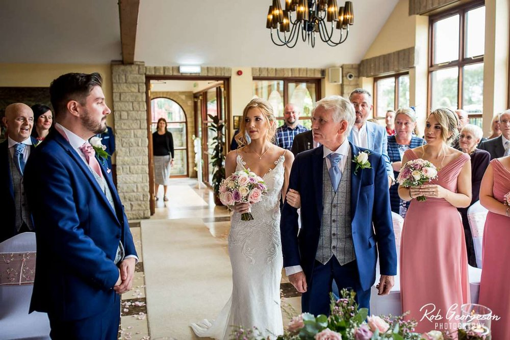 Ferraris_Country_House_Wedding_Photographer_024.jpg