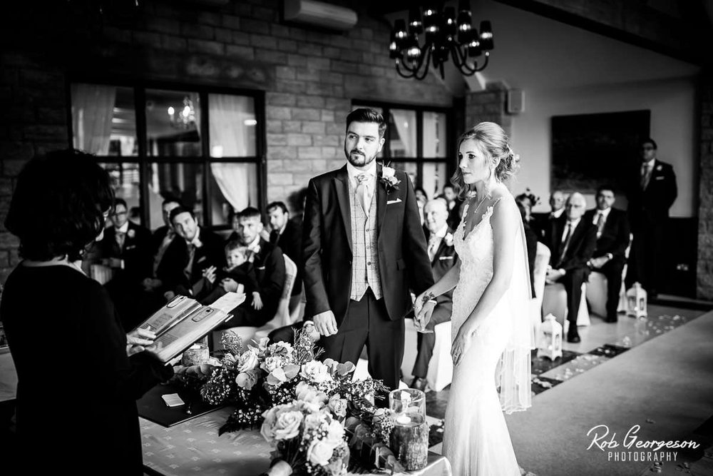 Ferraris_Country_House_Wedding_Photographer_026.jpg