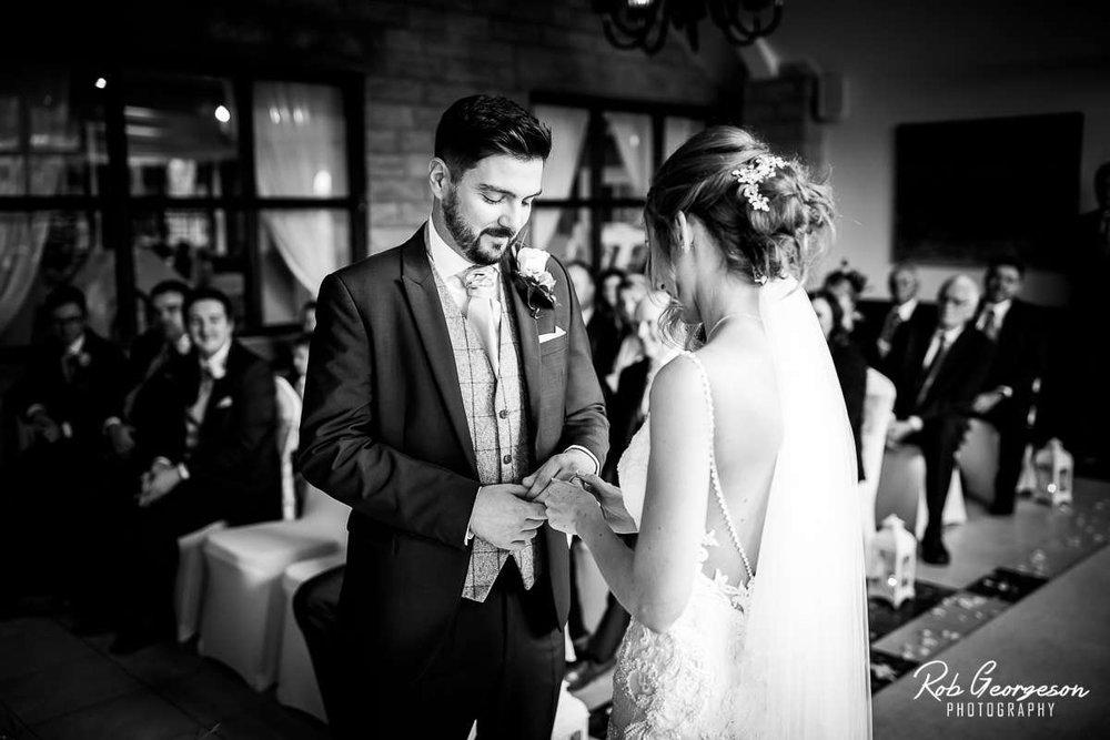 Ferraris_Country_House_Wedding_Photographer_035.jpg