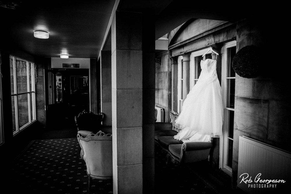 Shaw_Hill_Golf_Club_Wedding_Photographer (2).jpg