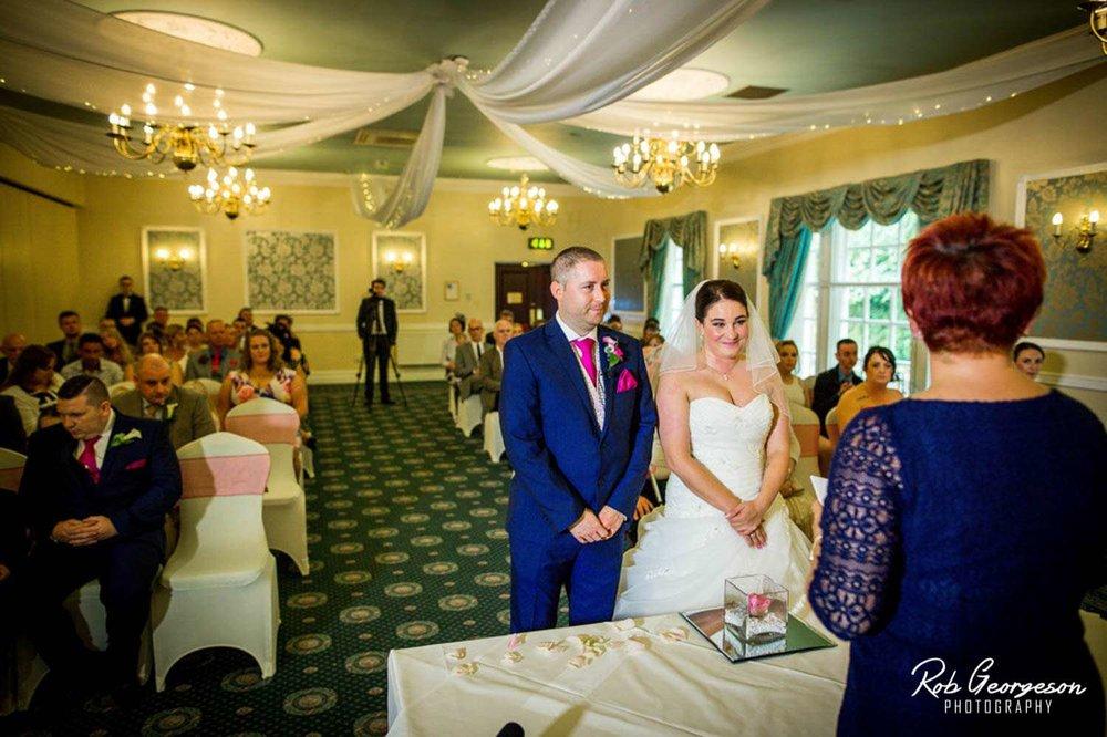 Shaw_Hill_Golf_Club_Wedding_Photographer (15).jpg