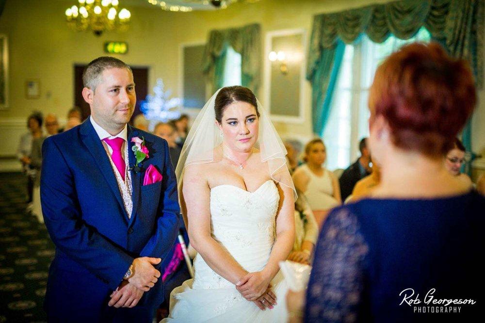 Shaw_Hill_Golf_Club_Wedding_Photographer (16).jpg