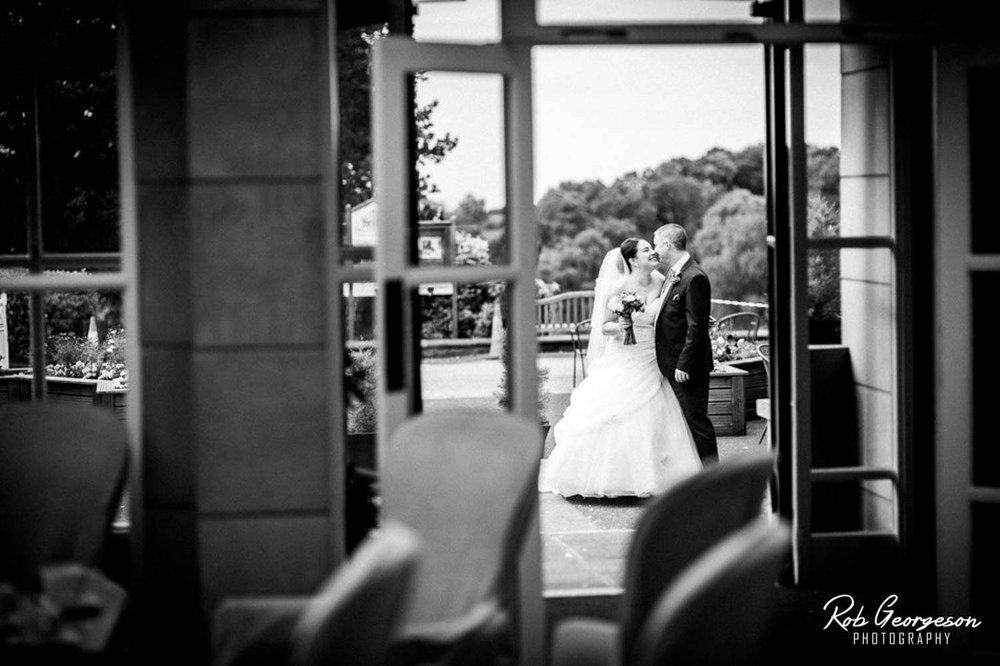 Shaw_Hill_Golf_Club_Wedding_Photographer (27).jpg