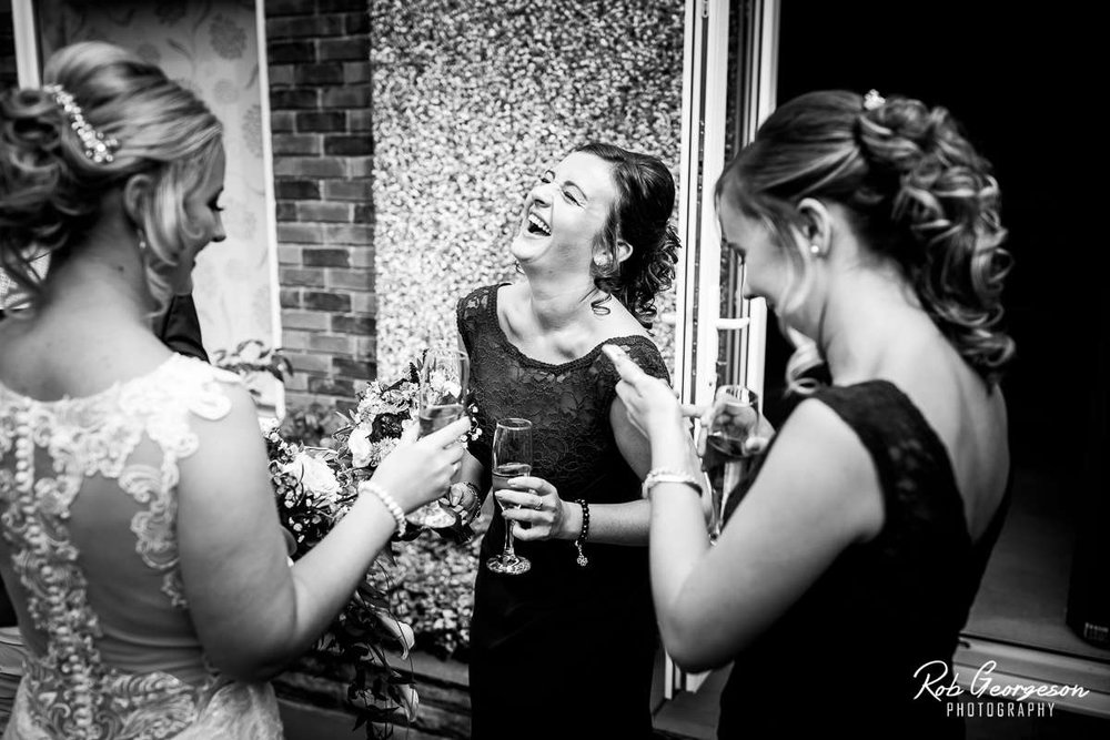Shireburn_Arms_Wedding_Photographer_010.jpg