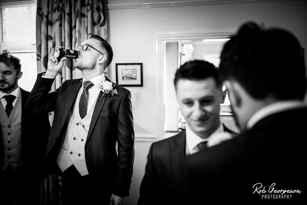 Shireburn_Arms_Wedding_Photographer_012.jpg
