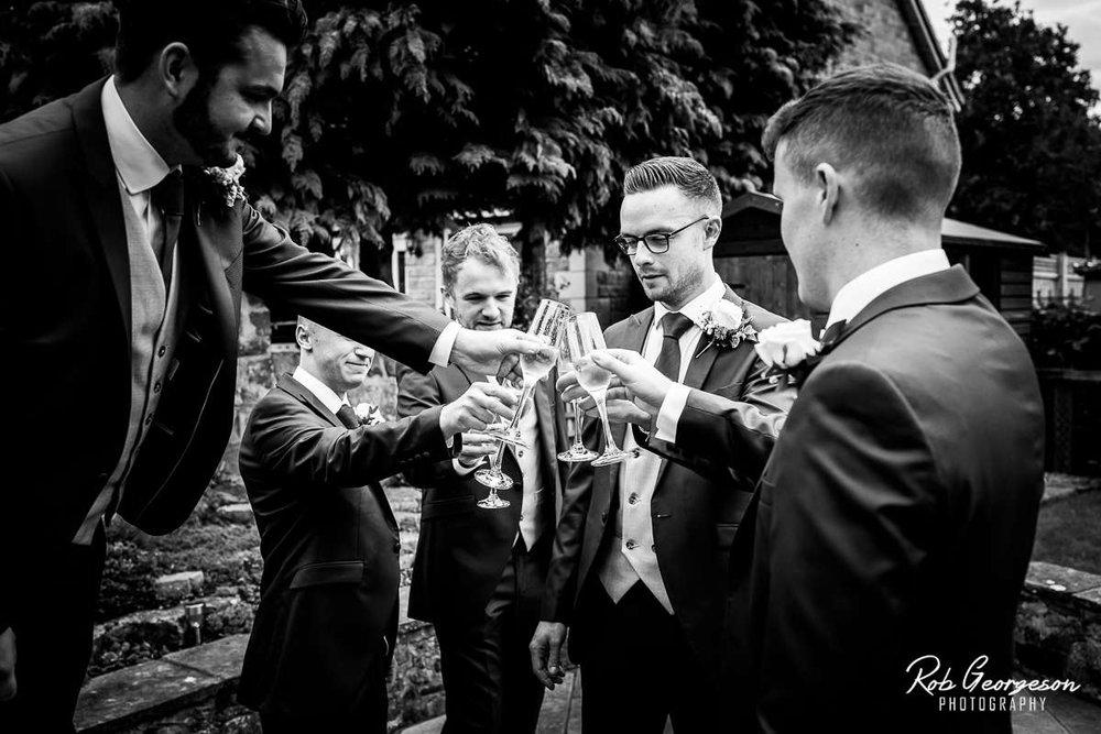 Shireburn_Arms_Wedding_Photographer_013.jpg