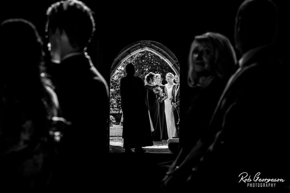 Shireburn_Arms_Wedding_Photographer_023.jpg