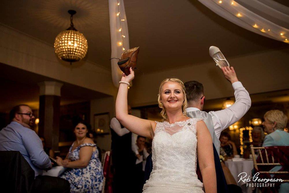 Shireburn_Arms_Wedding_Photographer_060.jpg